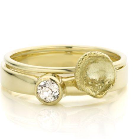 Gouden ringen met witte saffier